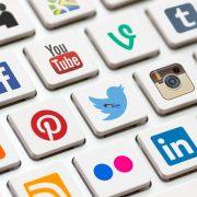 بررسی آینده شبکههای اجتماعی در حوزه بازاریابی و تبلیغات